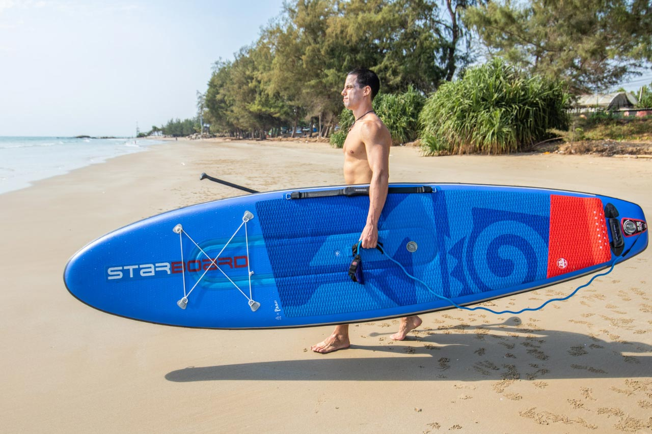 Starboard-stand-up-paddle-How To Carry Your Stand Up Paddle Board To The Water - centre handle