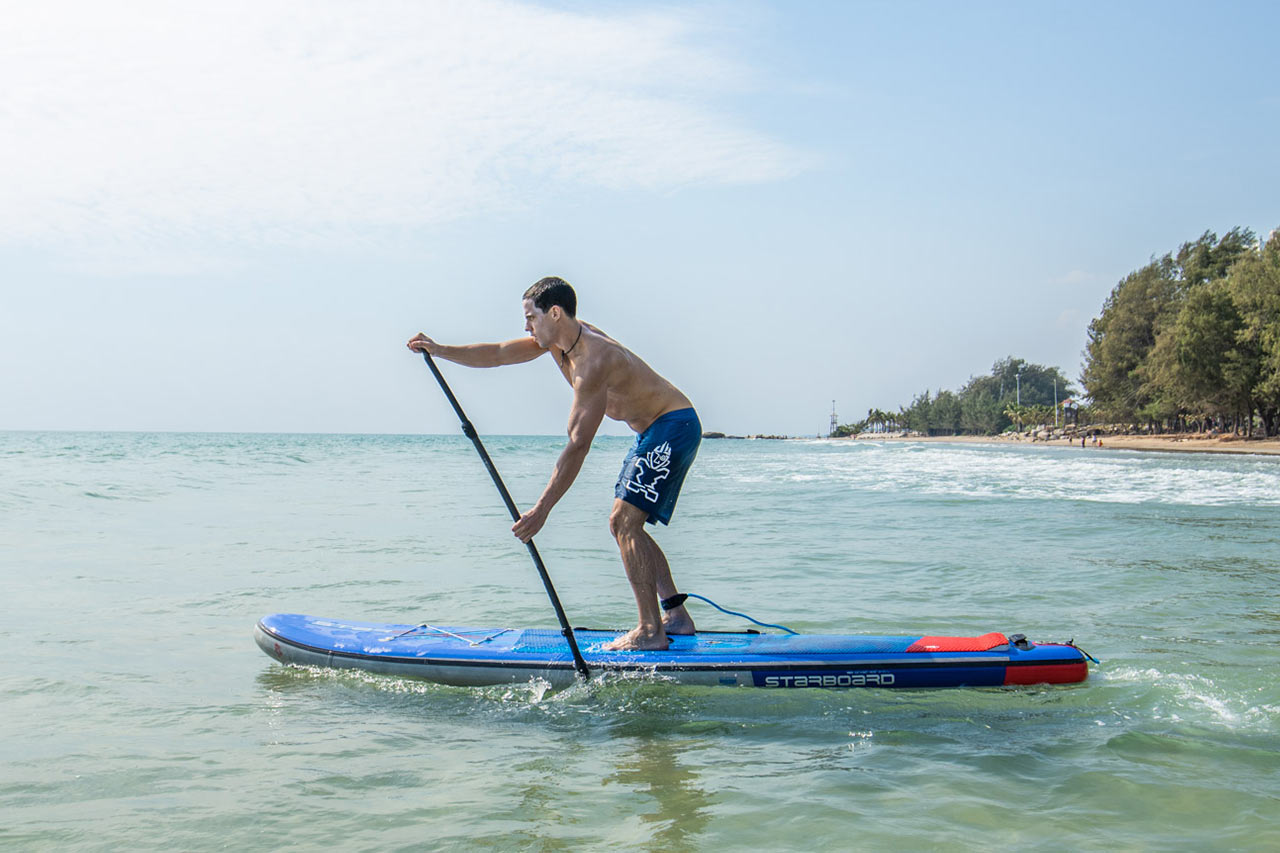 Starboard-stand-up-paddle-basic-paddle-stroke-pull-the-paddle-up